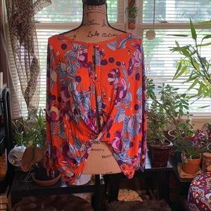 FreePeople Top. Size L. NWOT.
